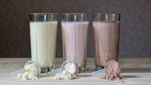 Distintos batidos de proteinas con sus diferentes sabores